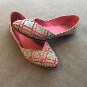Toms Embroidered Jutti Flats